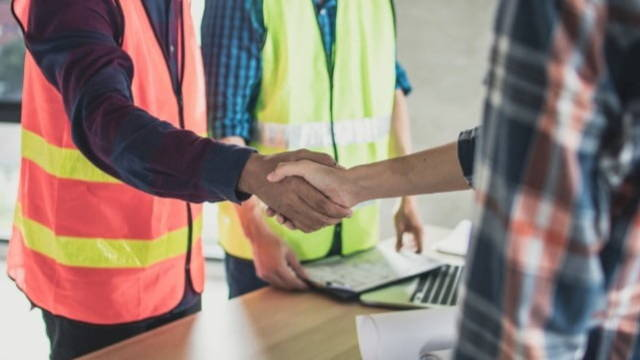 5 reasons to hire engineering contractors
